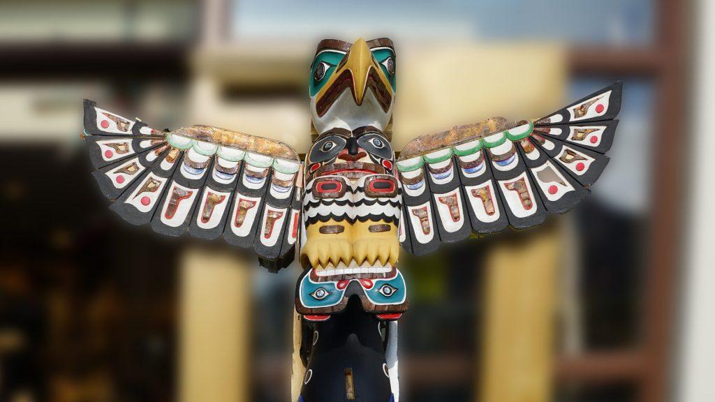 totem pole birds